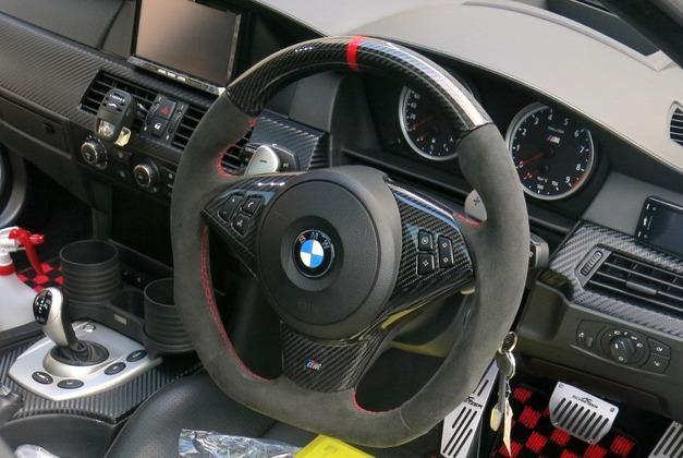 Carbonステアリング BMW StudieAG.jpg