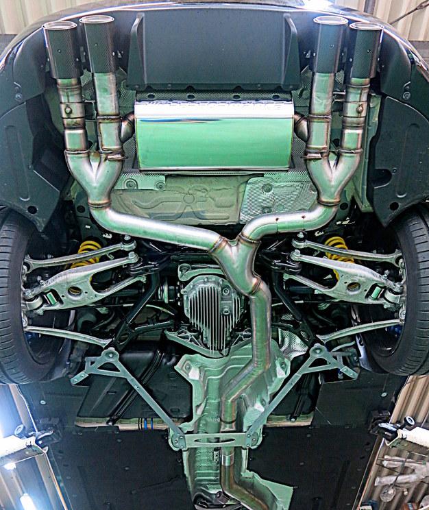 BMMP F87M2 エキゾーストシステム01.JPG