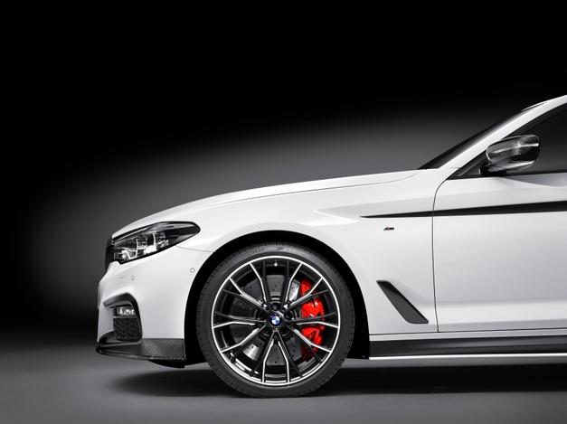 BMW M PERFORMANCE G30 04.jpg