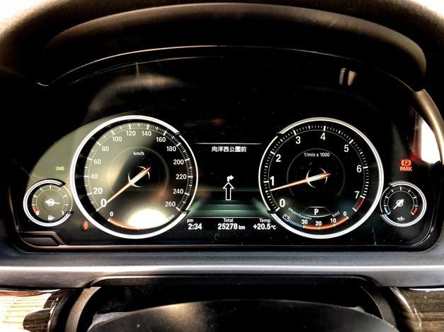 Studie BMW F10 後期Meter 002.JPG