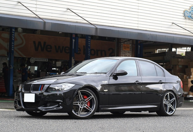 1Studie+KOBE- BMW PERFORMANCE E90 ブレーキ.JPG