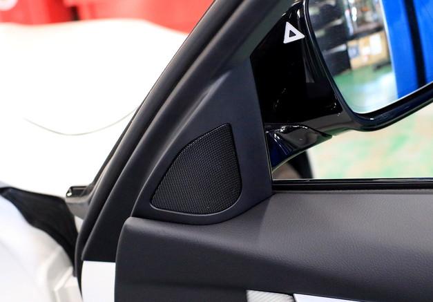 Studie+KOBE- オリジナルトレードインスピーカー JBL BMW F30 4.JPG