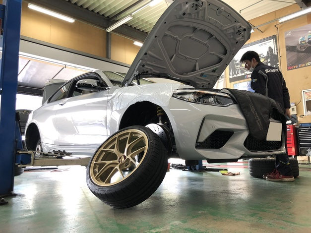 StudieAG F87 M2 Competition BBS RI-D GOLD KWClubSport3way.JPG