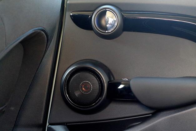 Studie BMW MINI F55 ブラックエディション ACSchnitzer Studie Sound SYSTEM 8.JPG