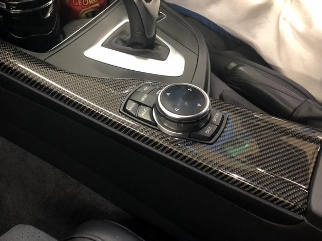 Studie BMW F30 CARBON Interior Panel 04.JPG