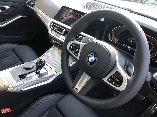 Studie Demo Car New3series G20 330i MSport 06.JPG