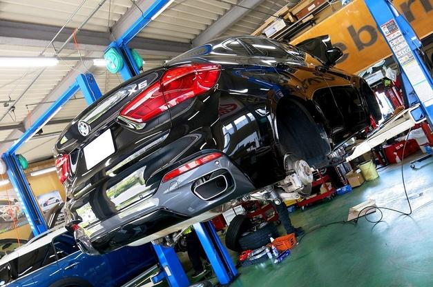 Studie BMW Brembo X6 X5 GTキット RED ドリルド 1.JPG