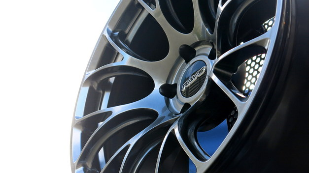 Studie BMW Tuning DIXCEL RAYS Summer EVENT 01.JPG